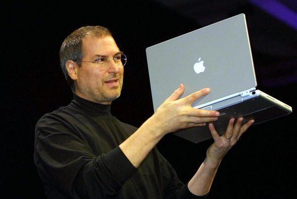 Tres días después se conoció el fallecimiento de Steve Jobs, creador de...