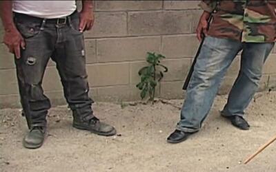 Campesinos de El Salvador se convierten en justicieros por la noche para...