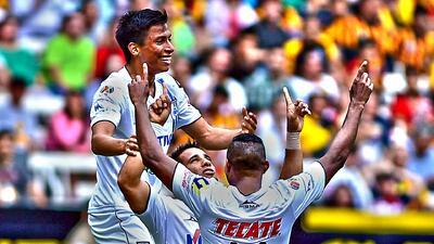 Querétaro le ganó 1-0 a Leones Negros en su casa