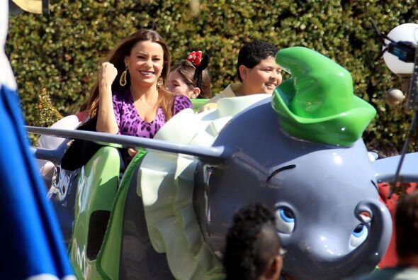 Divertida en Disney. Mira aquí los videos más chismosos.