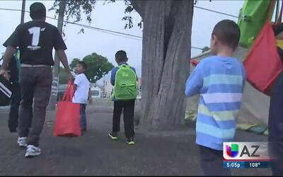 Incrementan cifras de familias centroamericanas que intentan cruzar la f...
