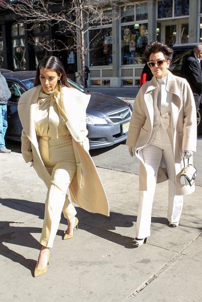 Es bien sabido que Kanye West casi simepre viste a su mujer. Mira aqu&ia...