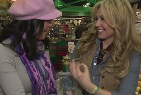 Lo que más le gusta a Thalía de este lugar es que venden unos tacos deli...