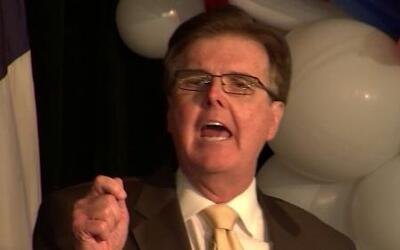 Dan Patrick se niega a debatir en Univision