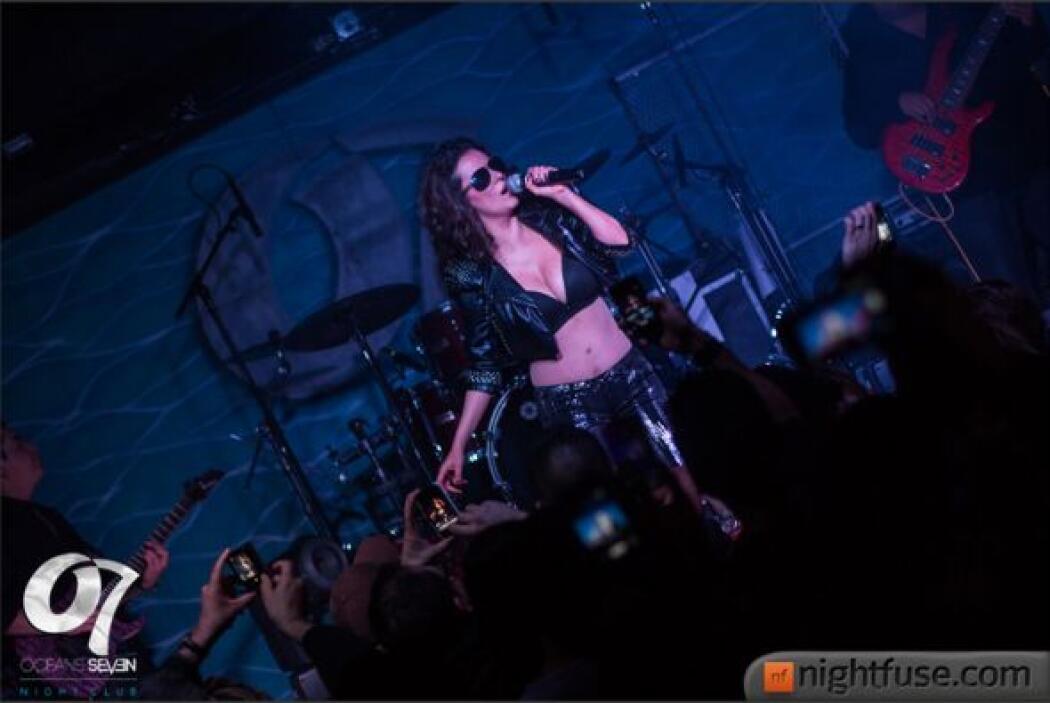 La guapa ex integrante del grupo Timbiriche visitó a Phoenix en su gira...