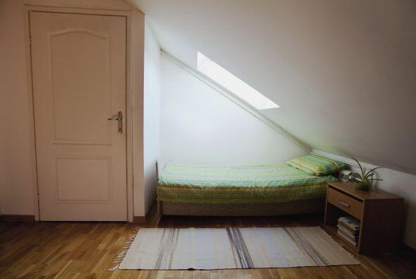 Organizar y decorar dormitorios pequeños puede ser un reto, pero...