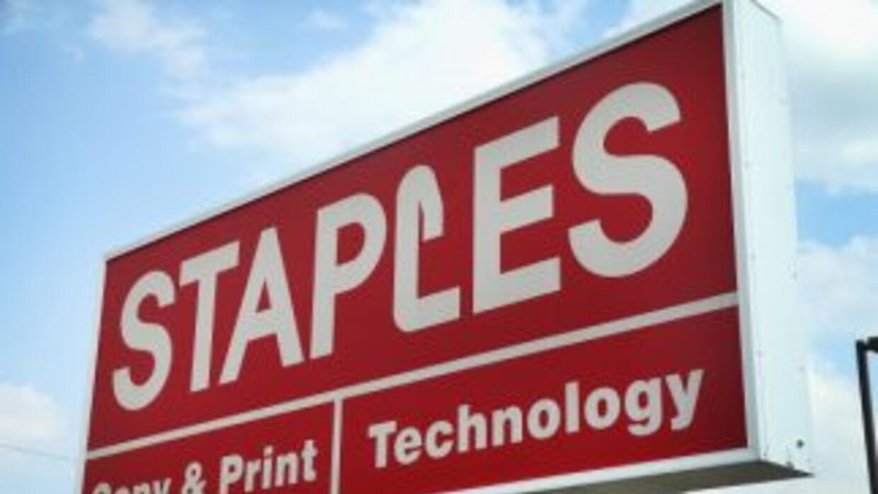 Staples investiga posible ciberataque.