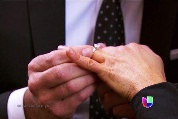 Y qué buena noticia nos diste, ¡Ana y tú sí se van a casar!