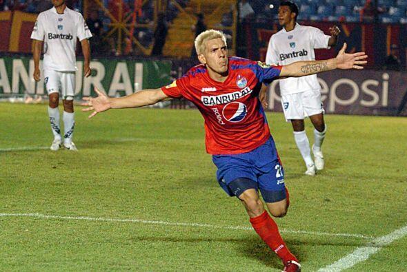 Mario 'El Loco' Rodríguez, jugador del Municipal, éste a&n...