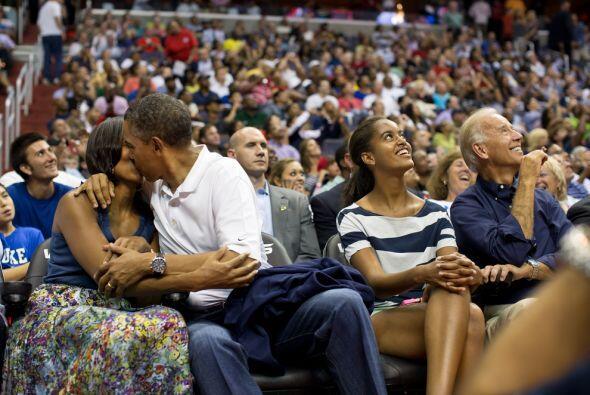 Esta fue una de las fotos mas famosas de 2012. La pareja presidencial fu...