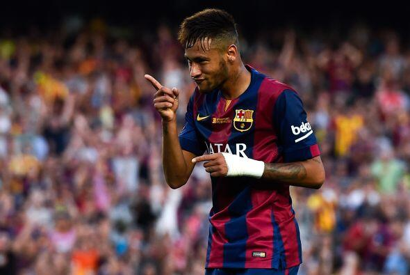Neymar hizo dos más mostrando tino y buen olfato de gol.