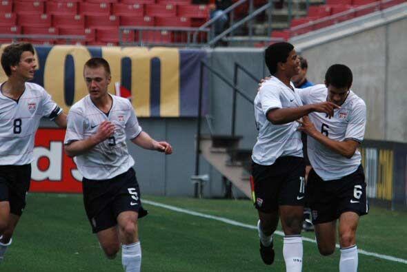 Estados Unidos se adelantó en el minuto 25 con gol de Kellen Gulley.