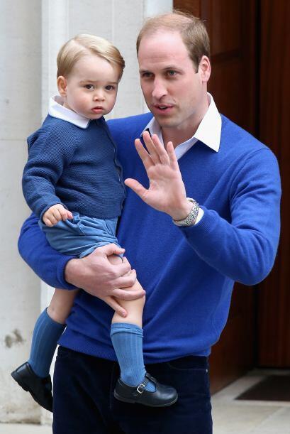 El Príncipe George abandonó el hospital un poco antes, después de que lo...