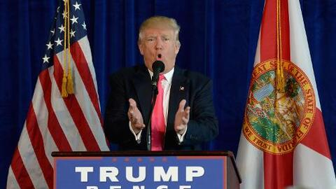 Trump evade hablar de inmigración en feudo hispano