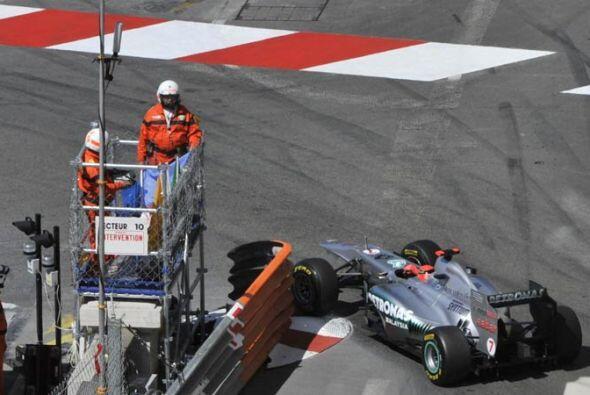 El ex campeón Michael Schumacher, tuvo una pésima jornada...