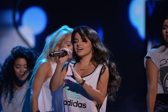 ¡Ya queremos verla en Premios Juventud!