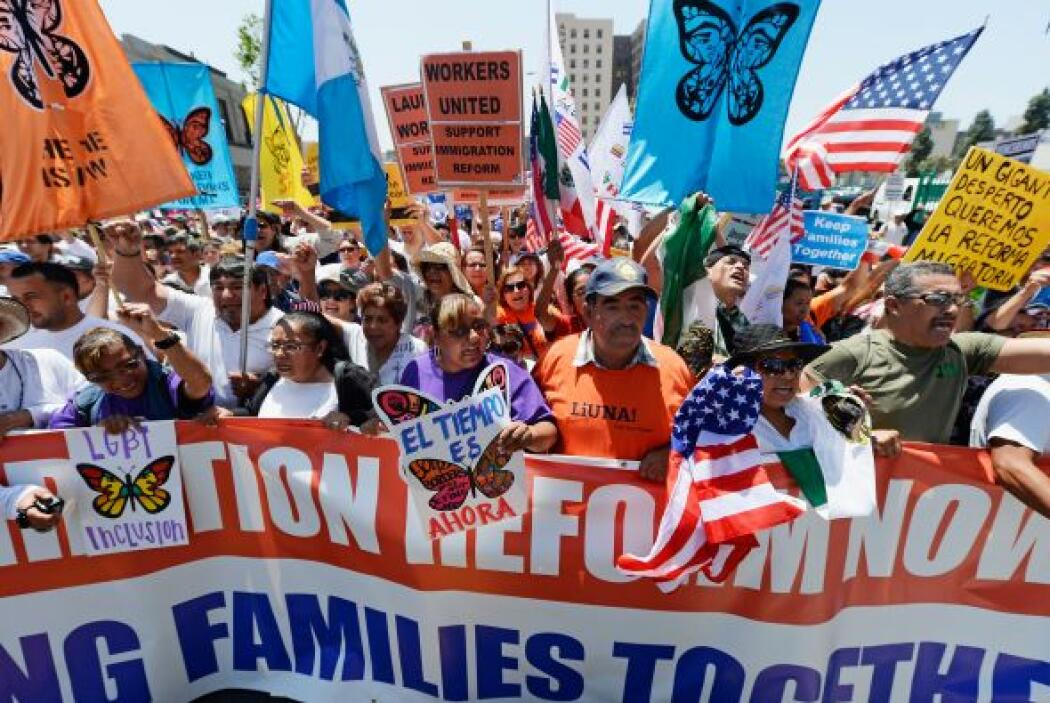 1 de mayo. Miles de inmigrantes se toman las calles para pedirle al Cong...