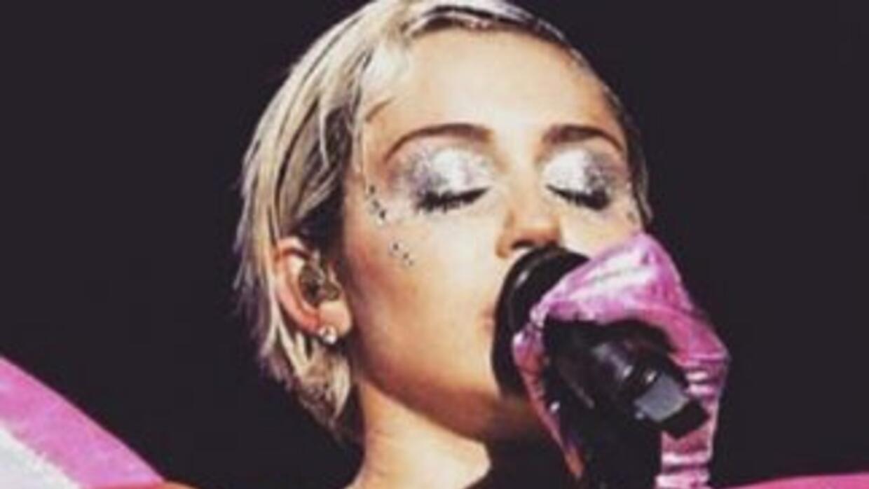 Miley Khia Slider