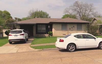 Autoridades buscan respuestas a la muerte de un hombre que fue hallado s...