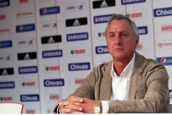 En el 2012 Vergara decidió contratar a Johan Cruyff como asesor deportiv...
