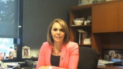 Detrás de la Noticia: María Elena comenta las noticias más calientes de...