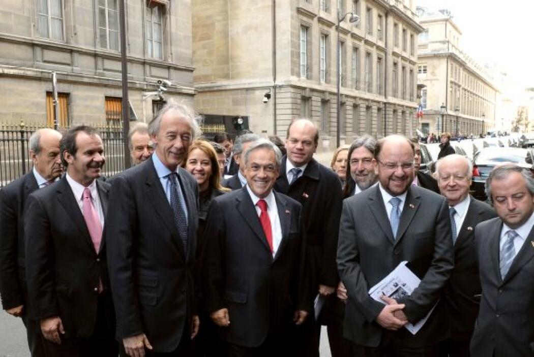 Piñera, que llegó a París el martes procedente de Londres, viaja también...