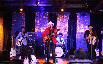 Herederos de Nuevo León en el Uforia Lounge
