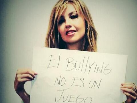 Varias personalidades del espectáculo, como Thalía, unen sus esfuerzos e...