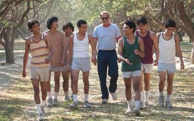Kevin Costner entrena a latinos en 'McFarland, USA'