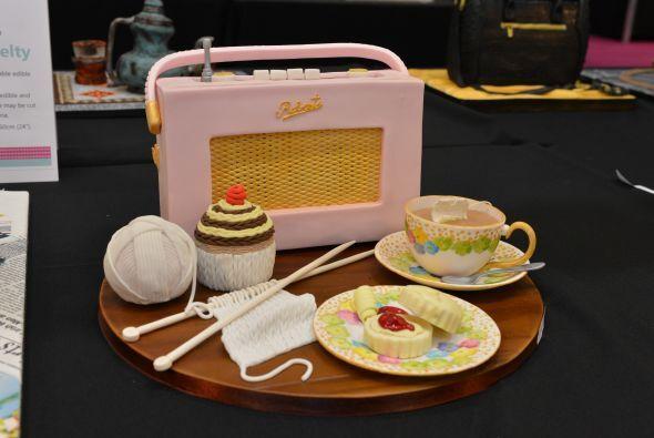 Y un radio de la época de los 50's.