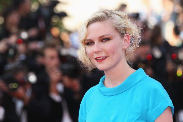 Kirsten Dunst en el festival de Cannes en 2010.   Aquí los videos más ch...
