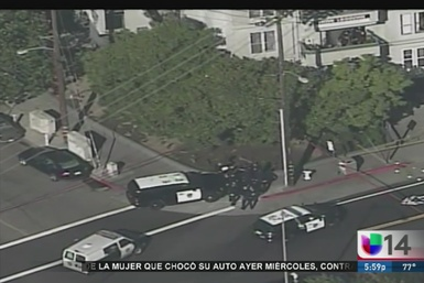 Muere civil a manos de policía de Oakland