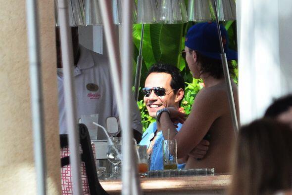 La pareja eligió hospedarse en el Sandy Lane Resort. Mira aqu&iac...