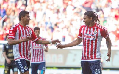 """Cisneros y """"Gullit"""" Peña le dieron la victoria al Rebaño Sagrado."""