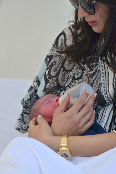 Lauren estuvo muy pendiente de su nene. Mira aquí los videos más chismosos.