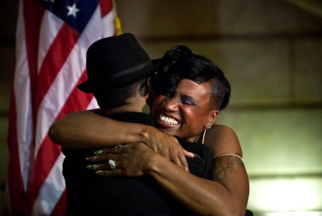 La Corte Suprema permitió de forma provisional la celebración de matrimo...