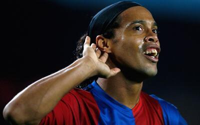 Con tres asistencias de Ronaldinho, el Barcelona le volvió a ganar 3-2 e...