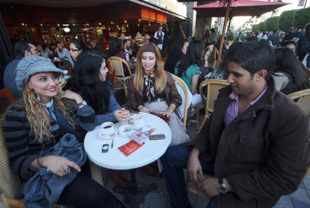 PEQUE'AS TIENDAS O CAFÉS EN EL EXTRANJERO- En muchas ocasiones cuando es...