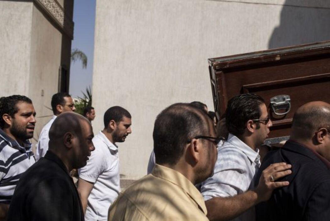 Uno de los hijos del líder de los Hermanos Musulmanes, Mohamed Badía, mu...
