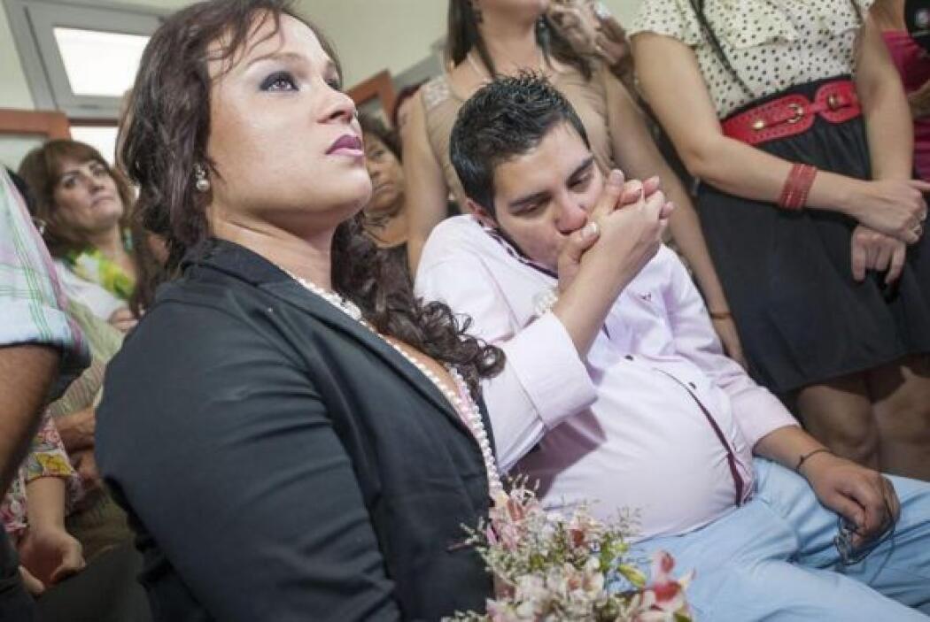Alexis contrajo matrimonio civil con su novia Karen Bruselario el pasado...