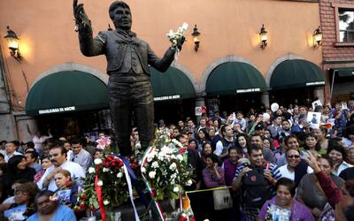 Rinden homenaje a Juan Gabriel en Garibaldi