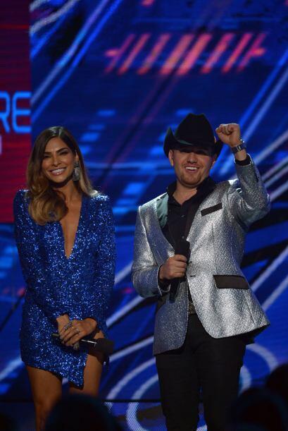 Alejandra Espinoza y El Dasa se unieron en el escenario para contagiar a...