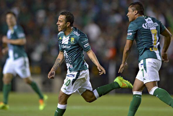 Luis Montes.- El 'Chapito' anotó un golazo de tiro libre que significó l...