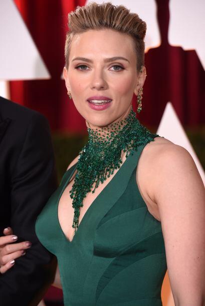 Desde que Scarlett se convirtió en mami, intentó mantener en el anonimat...