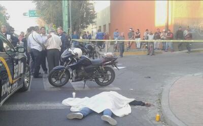 Autoridades están tras la pista de una mujer que atropelló a su expareja...