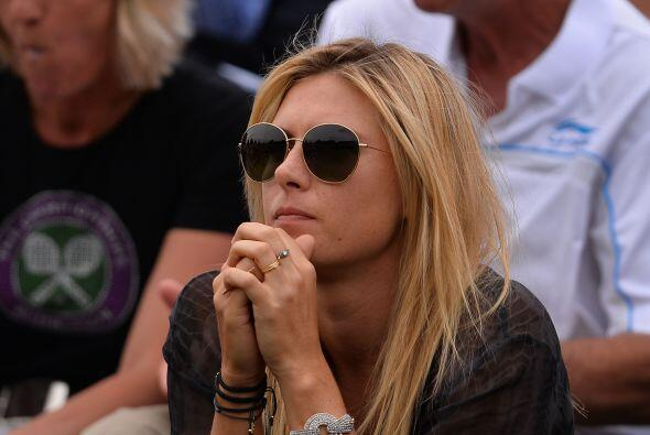 Ahora, Sharapova está de espectadora tras su eliminación. En esta ocasió...