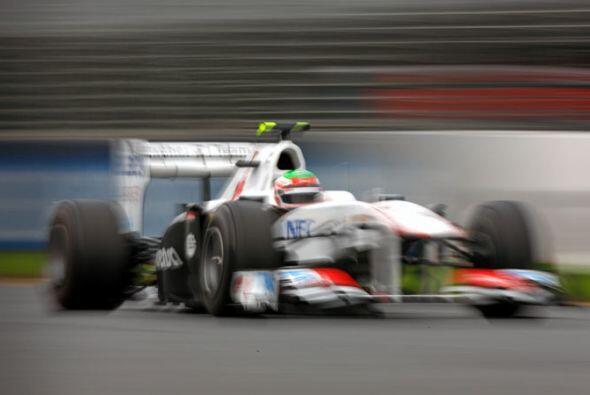 Sergio Pérez arrancó en la posición 13 en su debut...
