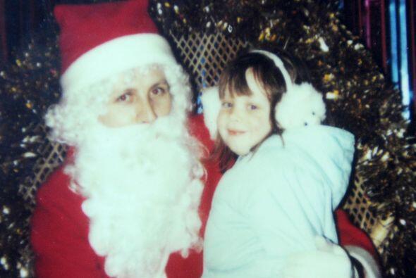 Durante toda su infancia, cada Navidad, Stefanie Howlet fue obligada por...