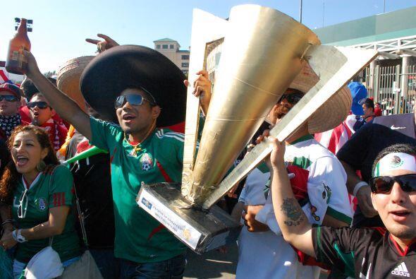 Pero estos mexicanos ya presumían la Copa Oro como si estuviera e...
