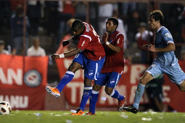 Con este resultado, logrado con el gol del punta Santiago García en el m...